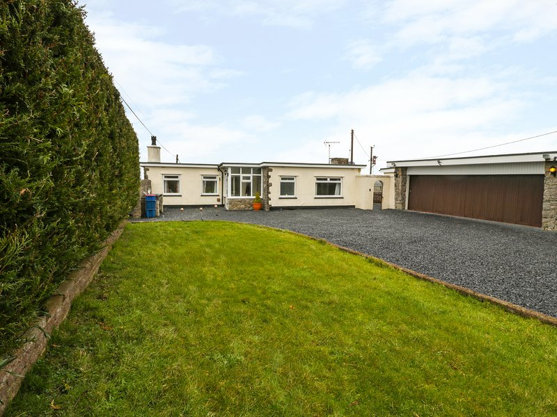LLAIN DELYN, all ground floor, pet friendly, perfect for families, near, casa vacanza a Bodffordd