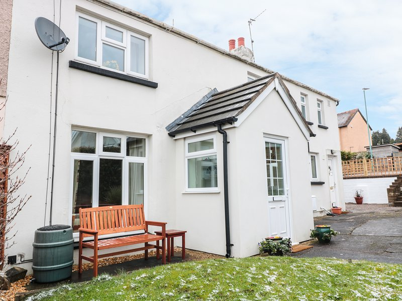 25 PARRAGATE ROAD, open fire, contemporary, pet friendly, in Cinderford, Ref, holiday rental in Forest of Dean