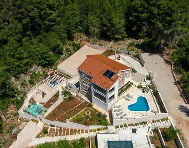 appartamento fronte mare in villa con piscina, Korcula