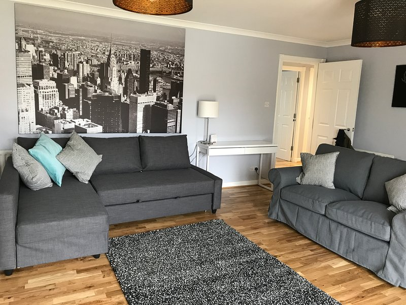 Two Bedroom Well Appointed Serviced Apartment (5), holiday rental in Newmilns