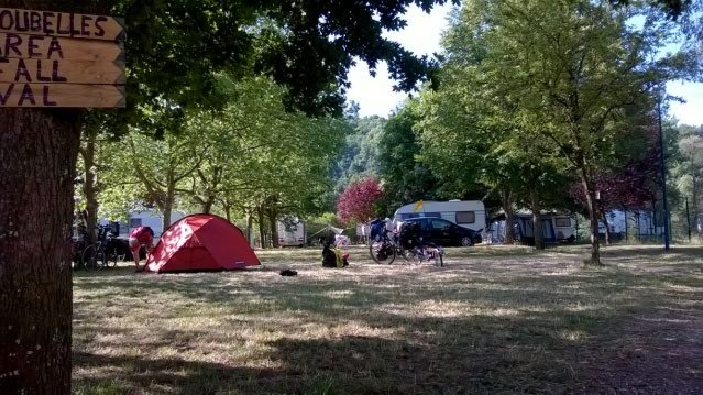 Spacious pitches in the campsite near Nancy and Metz