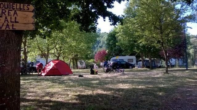 Amplias parcelas en el camping cerca de Nancy y Metz