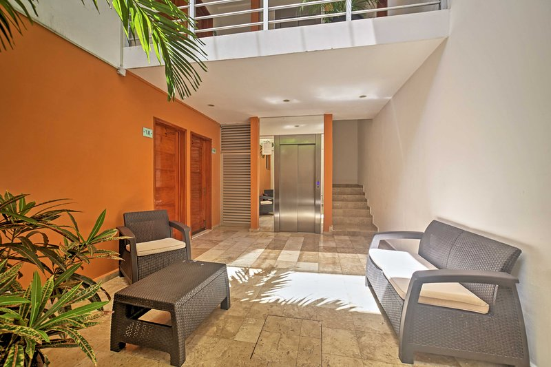 The lobby has a fully-functioning elevator for ease of access to the unit.