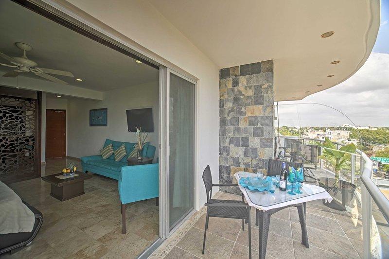 Enjoy breakfast on the private balcony!