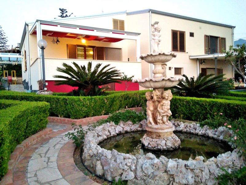 Outside villa with sea views Guidaloca