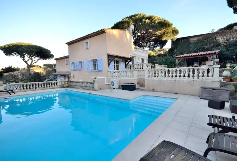 Amazing villa with swimming-pool, holiday rental in Sainte-Maxime