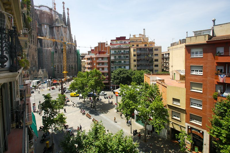 Long term apartment with Wifi at Sagrada Familia Barcelona