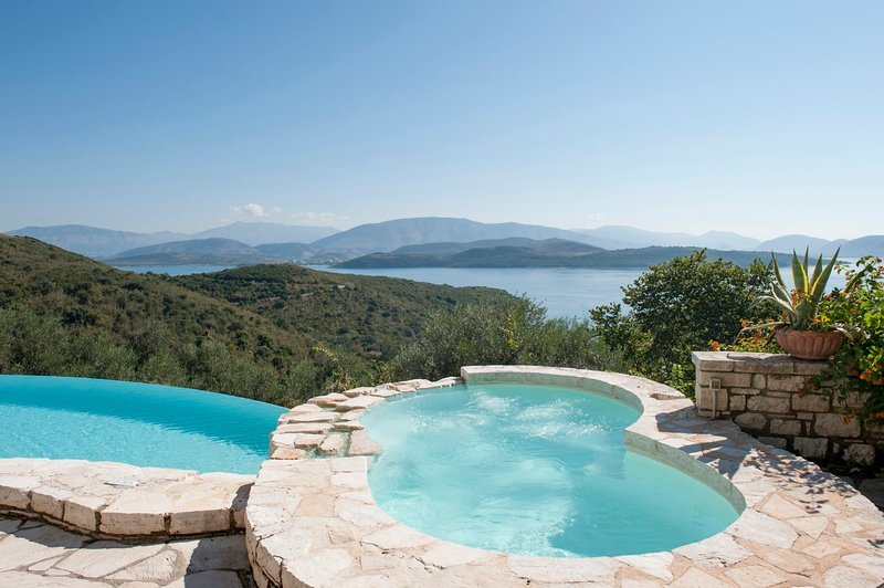 Agios Stefanos Sinion Villa Sleeps 8 with Pool and WiFi - 5585497, holiday rental in Agios Stefanos