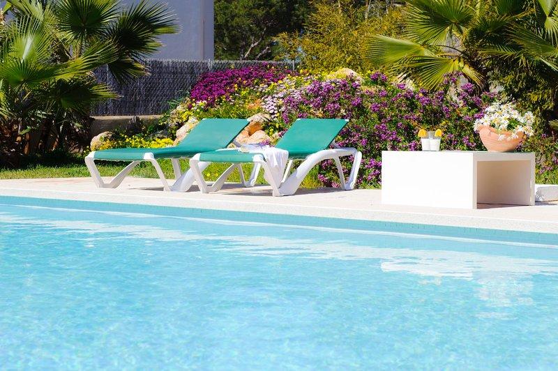 Cala Egos Villa Sleeps 8 with Pool Air Con and WiFi - 5585406, holiday rental in Cala Mondrago