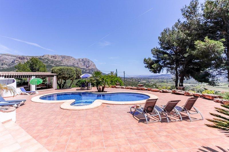 Jesus Pobre Villa Sleeps 8 with Pool Air Con and WiFi - 5237997, vacation rental in Muntanya la Sella