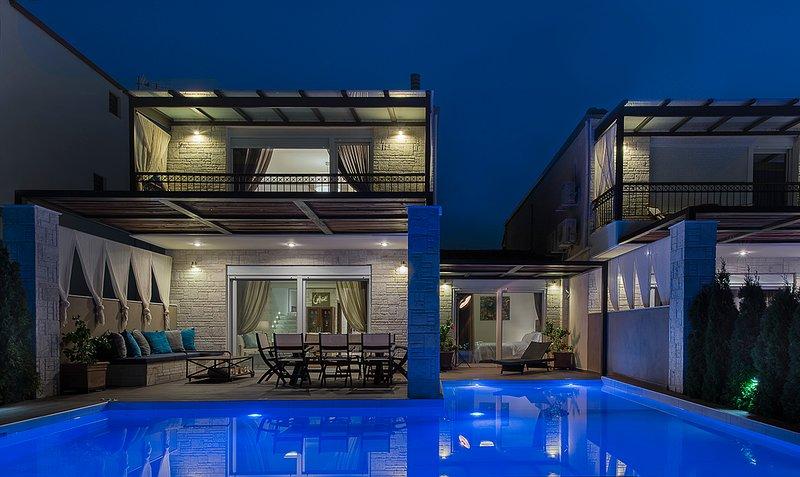 Exclusive Villa Sithonia Ena: Large Private Pool, Sea Views, A/C, WiFi, casa vacanza a Nea Skioni