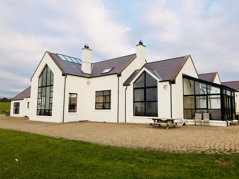 Stunning 6 Bedroom Home on the outskirts of Portrush.