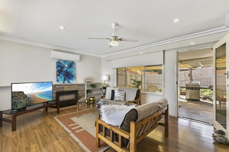 Spacious loungeroom