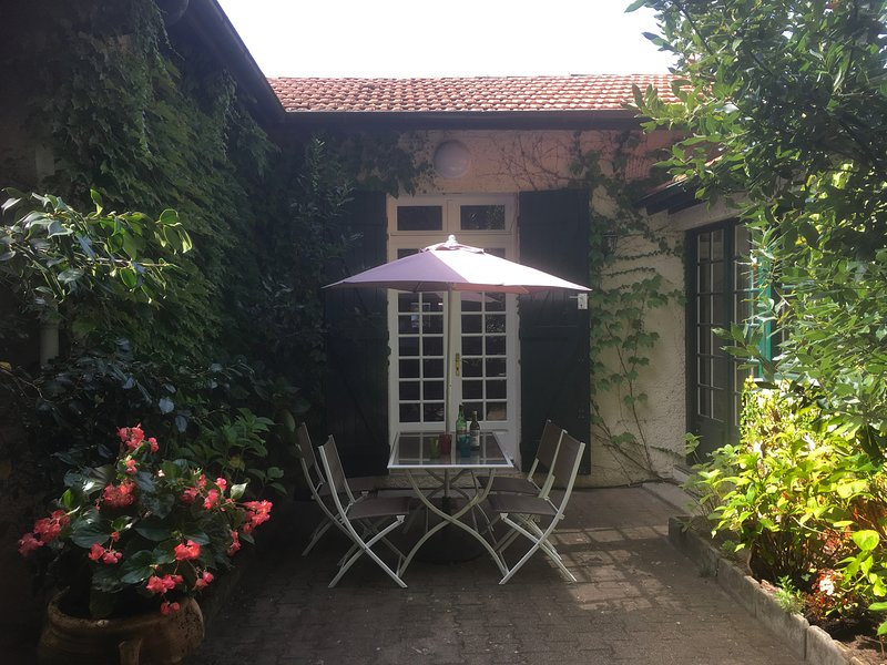 Maison de charme chaleureuse et confortable, aluguéis de temporada em Gironde
