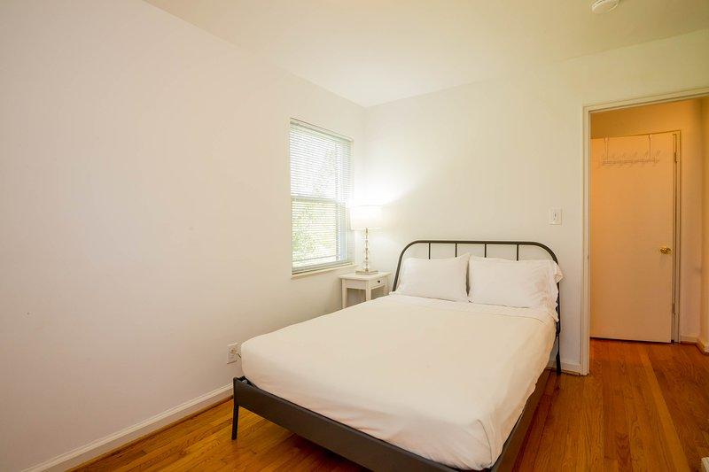 Niveau principal troisième chambre avec matelas fait sur mesure en taille réelle