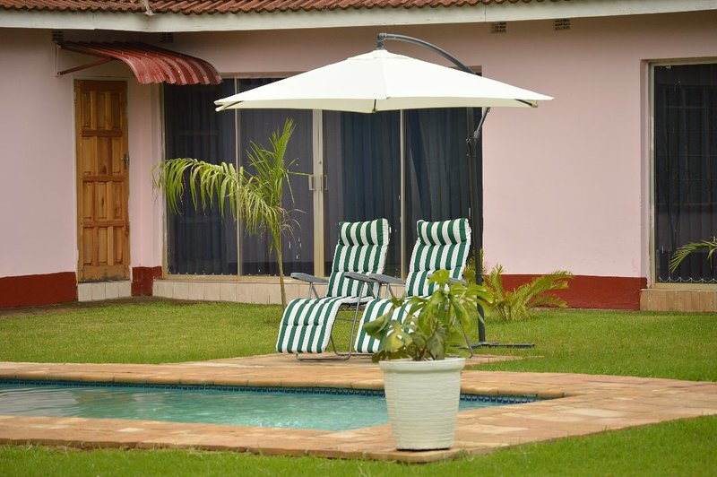 The Crown Inn Villa Guest House, holiday rental in Harare