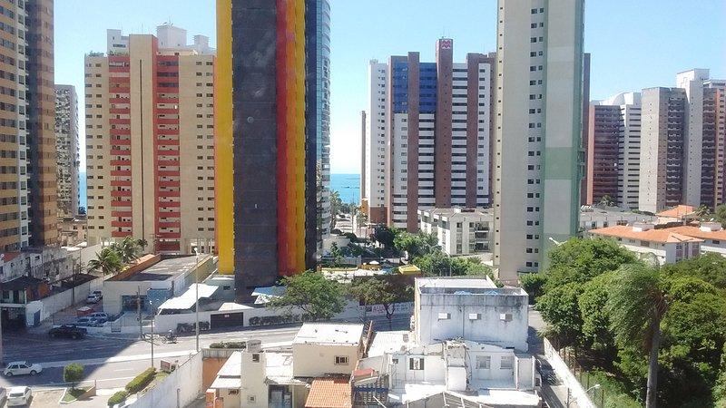 BAPT - Apt. Completo com Vista pro Mar em Área Turística., holiday rental in Fortaleza