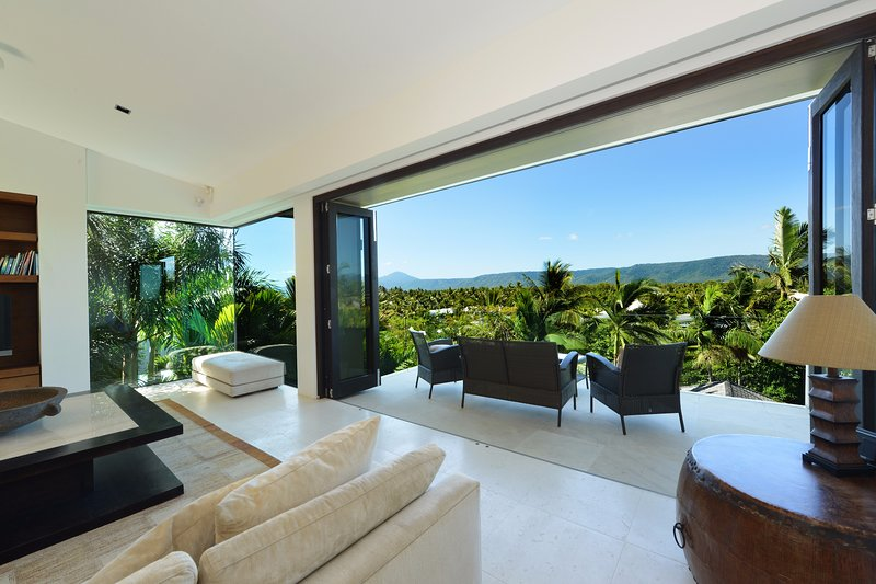 61 Murphy Street | Luxury Holiday House, holiday rental in Port Douglas