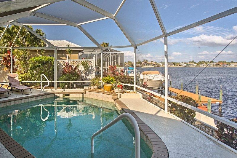 Ihre Florida Rückzug beginnt in diesem 3-Schlafzimmer, 2 Badezimmer Ferienwohnung Haus in Cape Coral.