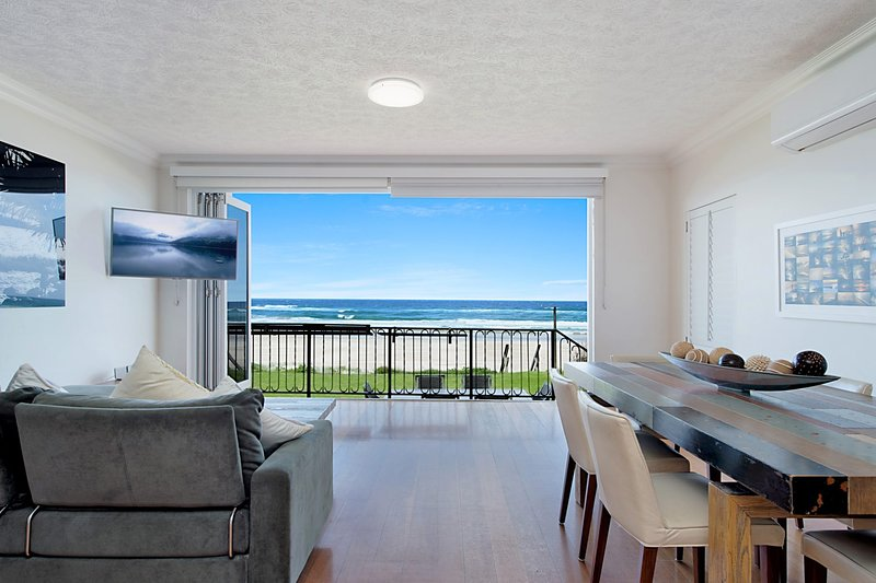 Absolute beachfront apartment - nothing but the sand - Palm Beach, vacation rental in Gold Coast