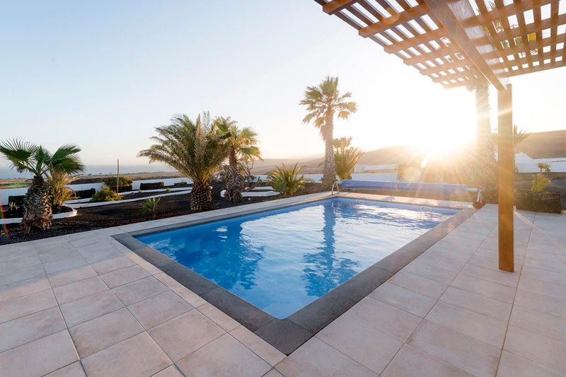 Villa Panorama - unique villa with fantastic sea views and private pool, vacation rental in Puerto Calero