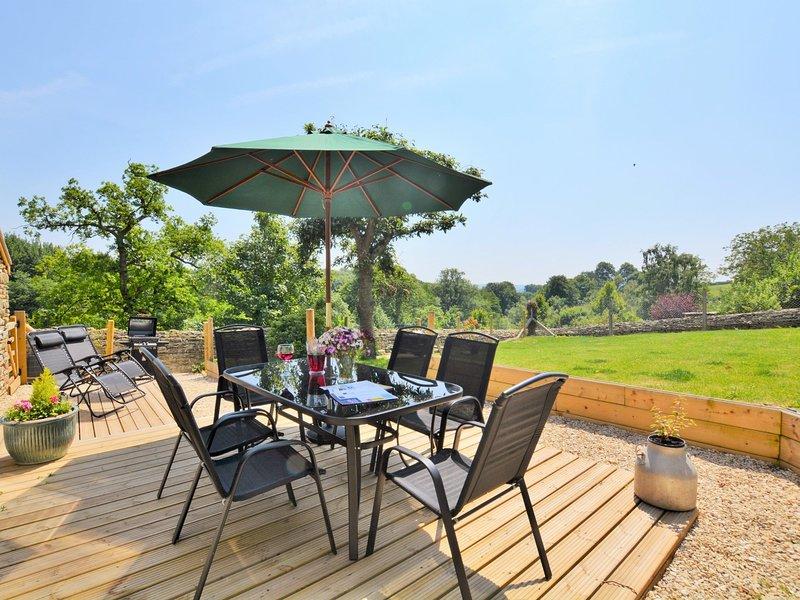 Private enclosed garden ideal for al fresco dining