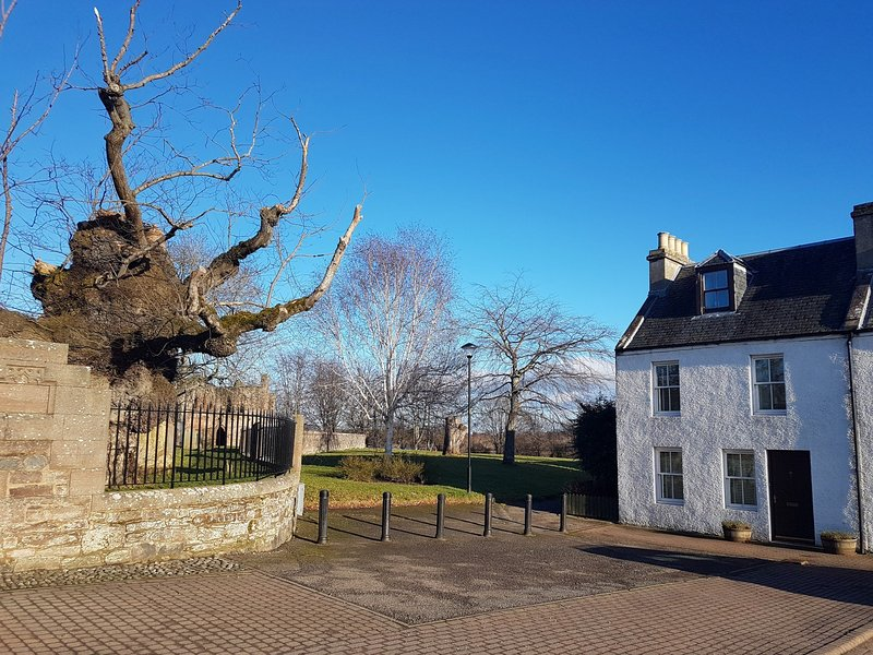 Ideally located in the charming village of Beauly