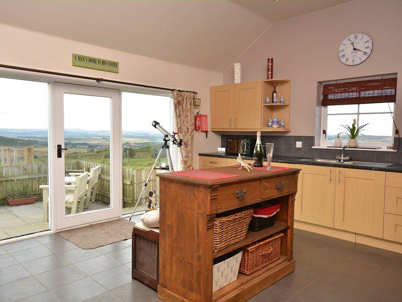 Splendida cucina spaziosa con una vista spettacolare
