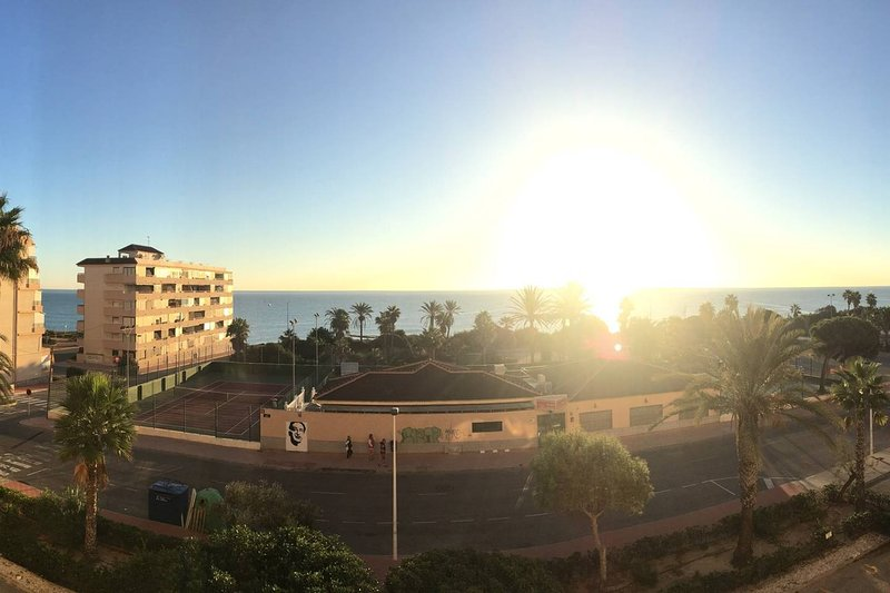 Fully equipped seafront apartment . Amazing views, holiday rental in La Mata