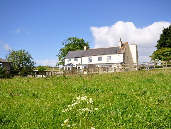 Vista para a casa de campo à direita