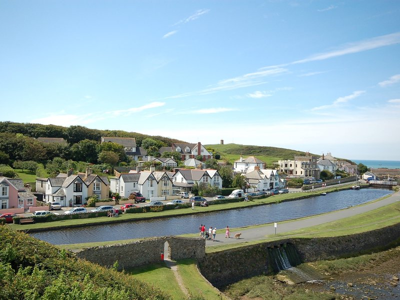 The canal at Bude