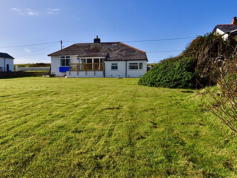 Lovely coastal property with spacious garden area