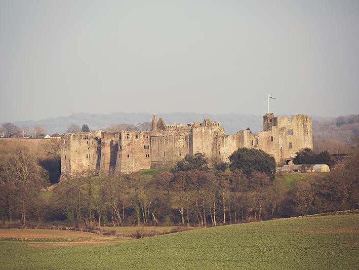 Magnífico Castelo de Raglan de fácil acesso