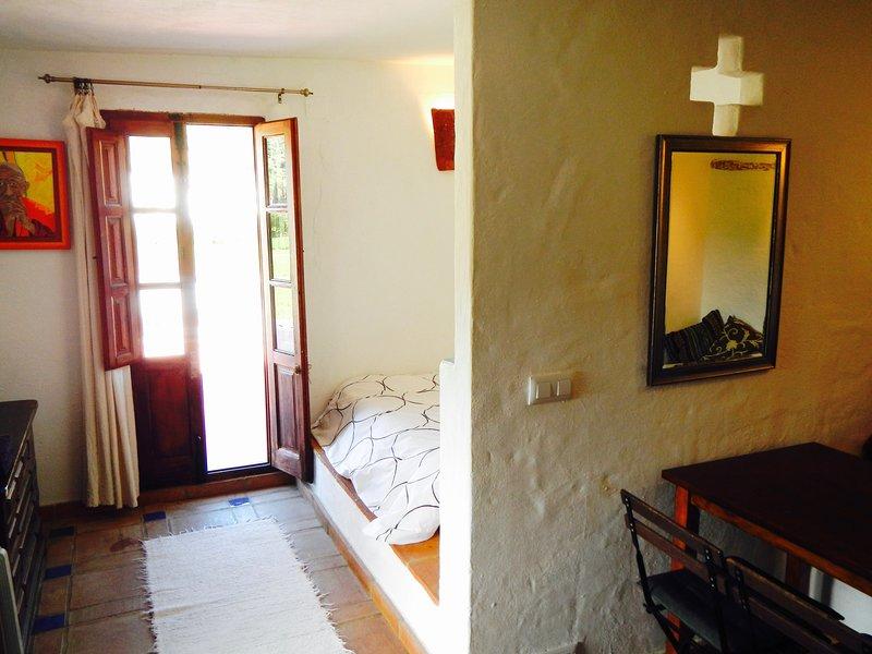 Finca La Rana Verde - Studio Paqui, holiday rental in Benarraba