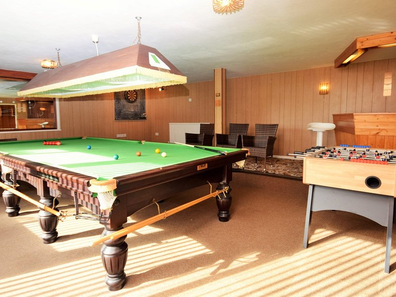 Great sized games room with full size snooker table and table football