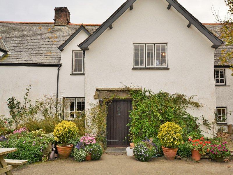 Blick auf den Eingang zu den Teestuben und Eigentum