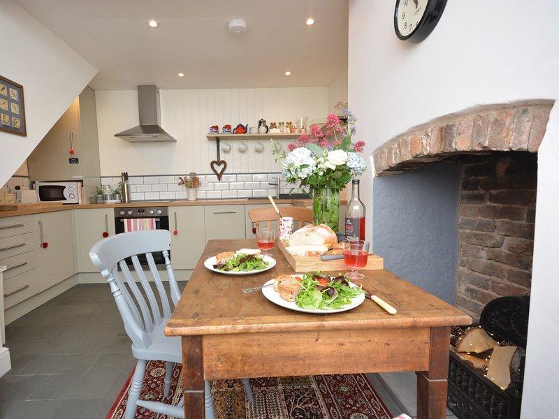 Schöne moderne Küche mit Cottage verfügt über
