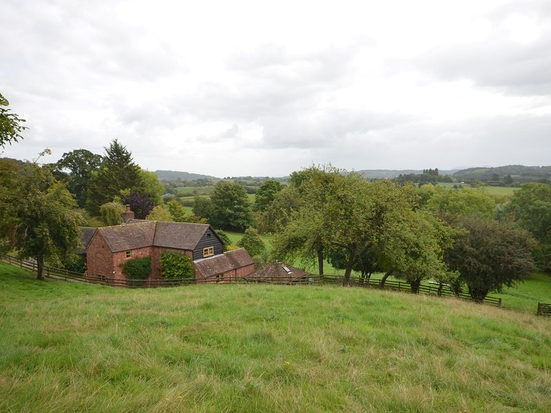 Views of the property and surrounding countryside