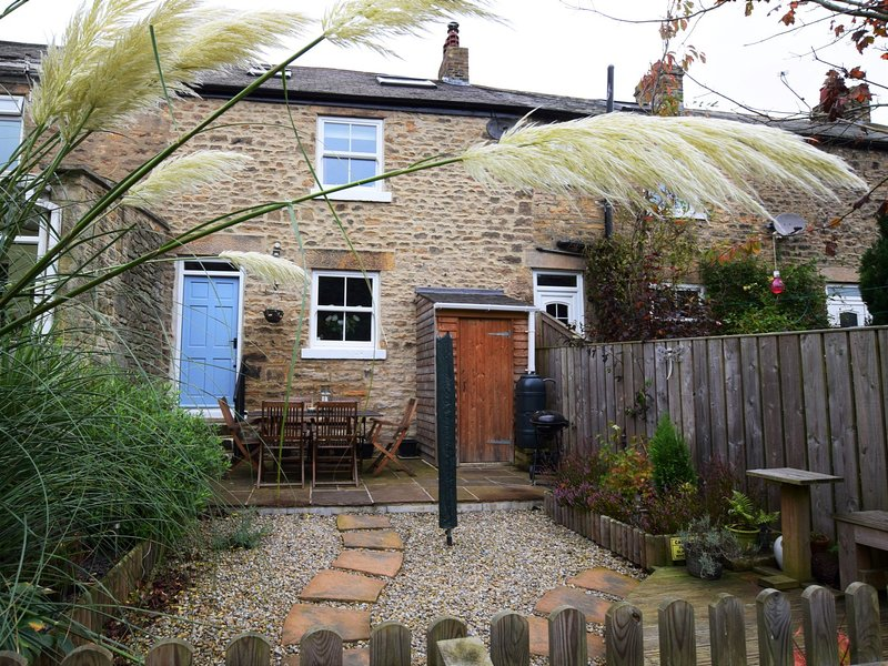 Charming stone cottage with sun trap garden