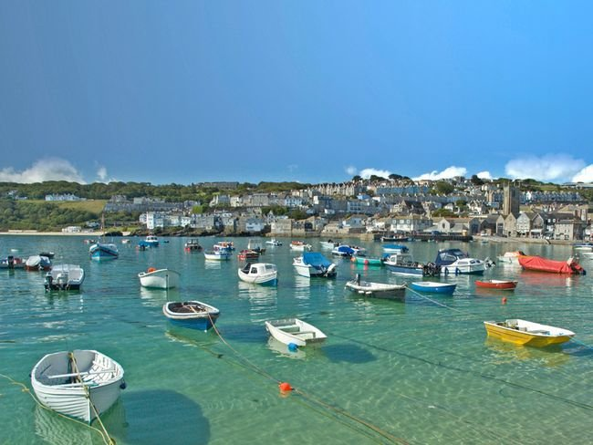 St Ives harbour within walking distance