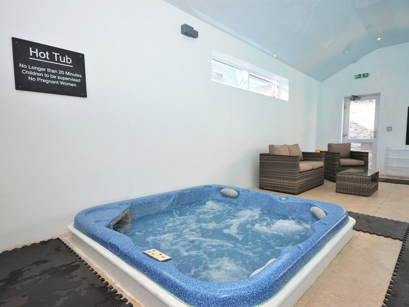 Shared hot tub and swimming pool
