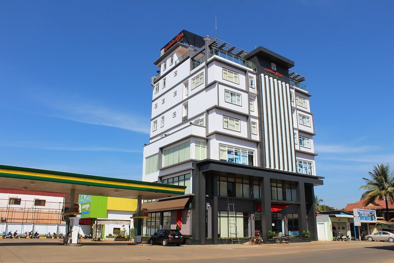 Setra Supermarket is The First in Ratanakiri Province, holiday rental in Banlung