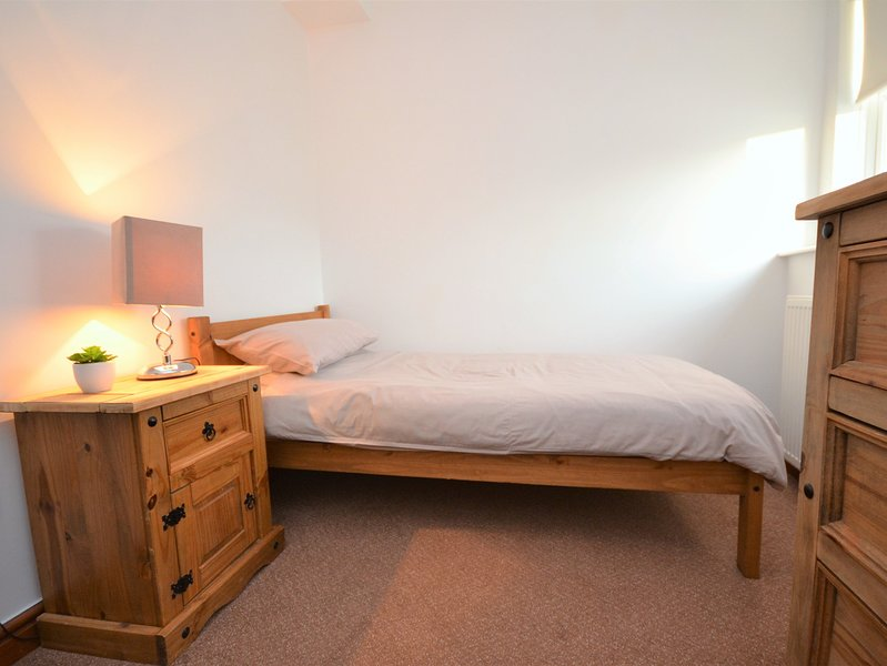 Single bedroom with ample storage