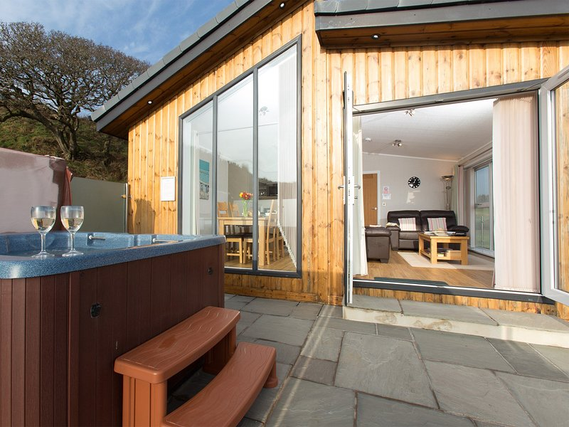 Luxury lodge and private hot tub