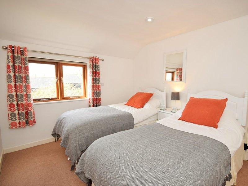 Great sized twin bedroom