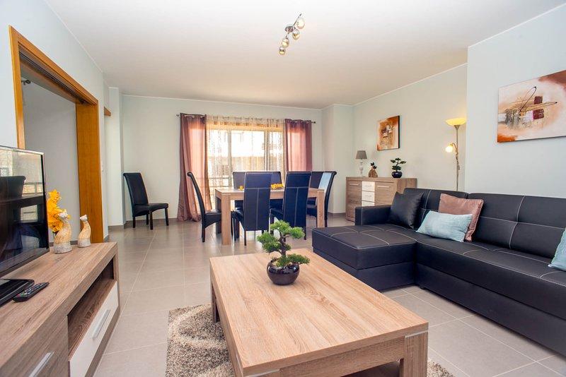 Urbanização da Pegada - Apartamento T3 de Luxo, vacation rental in Tavira