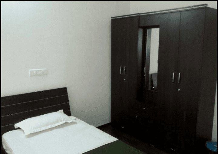 D P Service Apartment in Kopar Khairane - Bedroom 8, location de vacances à Navi Mumbai