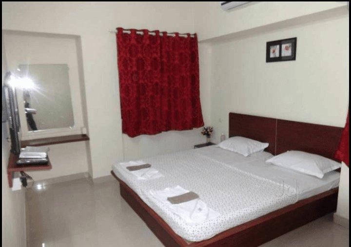 D P Service Apartment in Kopar Khairane - Bedroom 1, location de vacances à Navi Mumbai