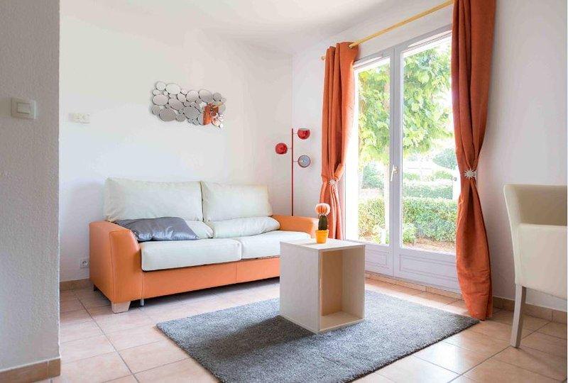 Adonis Mouans Sartoux Living Area