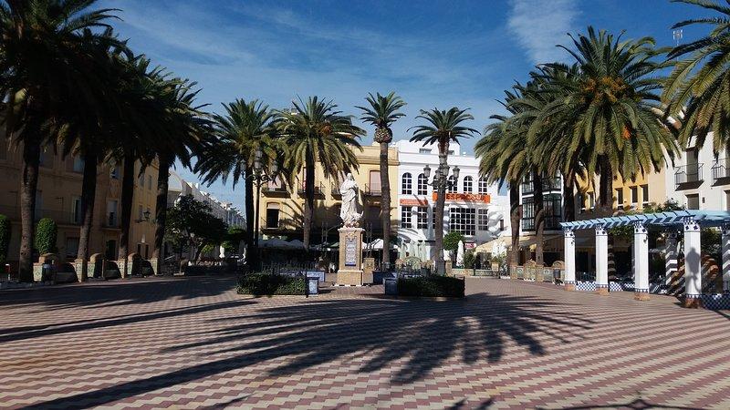 Square Crowning Ayamonte